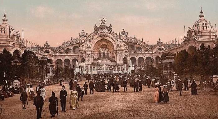 1900年のパリ万国博覧会の様子